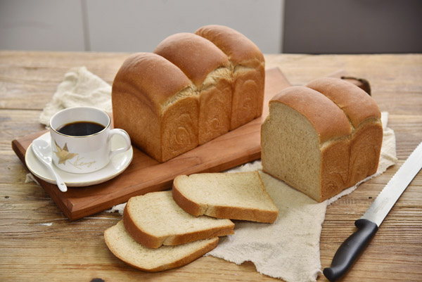 Video: Home baking whole wheat toast, healthy and tasty!